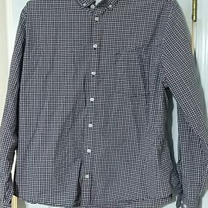 Man plaid shirt.